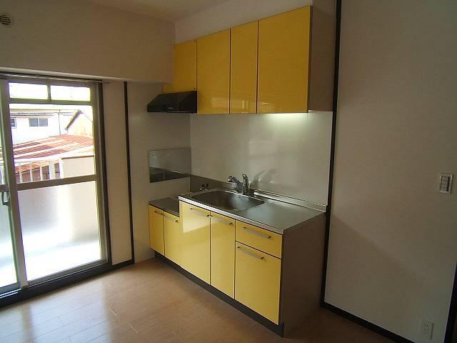 コープセンタービレッジ / 201号室キッチン