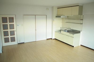 サン・ビィーム吉塚 / 203号室キッチン