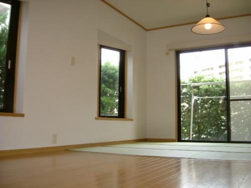パークサイド黒川 / 302号室