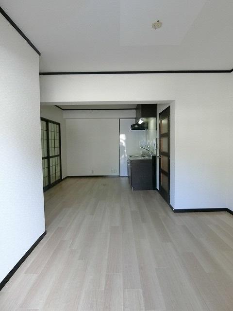 レジデンス秋根 / 105号室キッチン