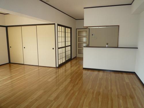 レジデンス秋根 / 301号室リビング