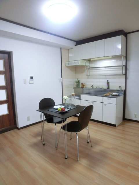 レジデンス牛房 / 303号室キッチン