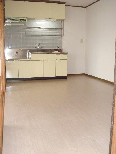 サンハイツKUDO / 302号室