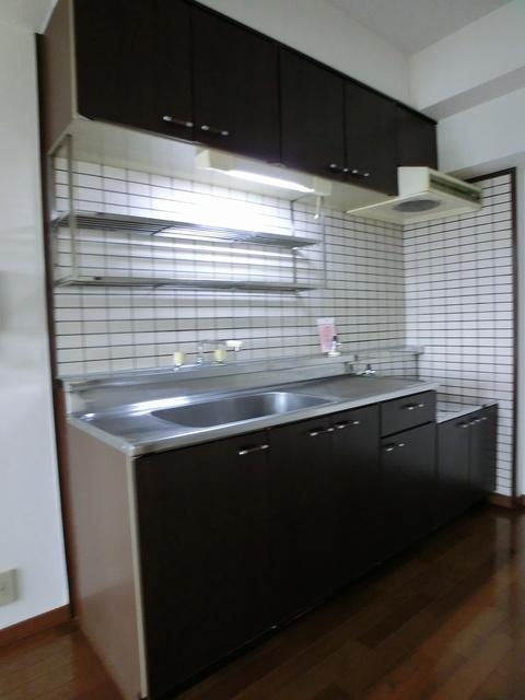 エスポワール長者原西 / 301号室キッチン