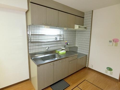 コムフォート・シティ / 102号室キッチン