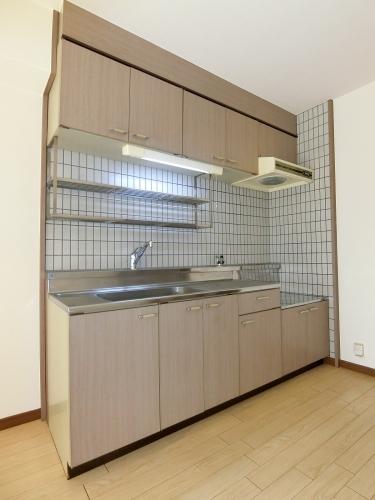 コムフォート・シティ / 202号室キッチン