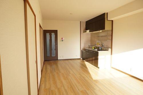 リバーサイド貝田 / 101号室リビング