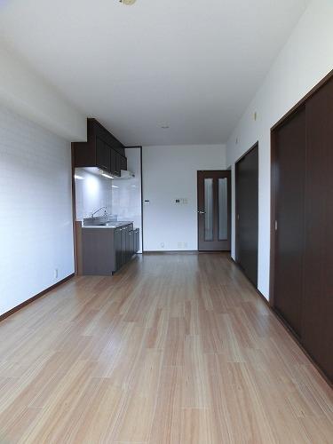 レジデンス・ウィステリア24 / 106号室リビング