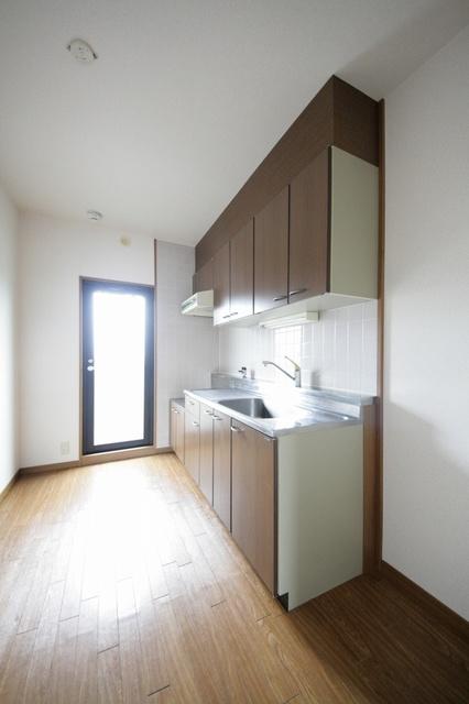 スカイヒルズ6 / 202号室キッチン