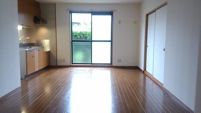 ティアラ 安川 / 101号室リビング
