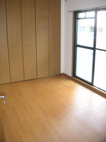 エントピア空港東(ペット可) / 302号室洋室