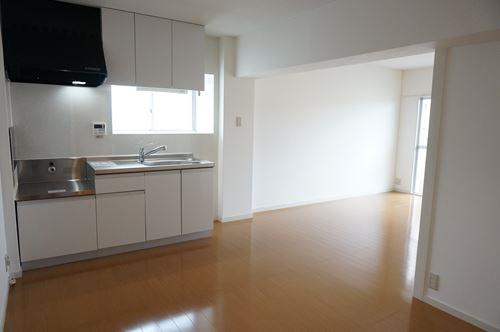 サンハイム / 302号室キッチン