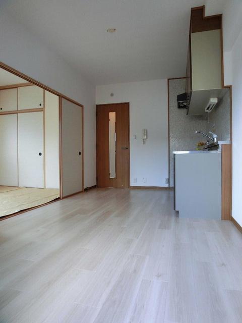 ラフィーネ篠栗 / 401号室リビング