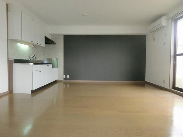 メロディハイツ戸原 / A-205号室リビング