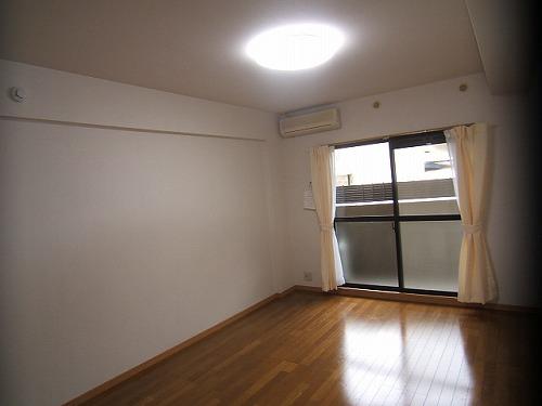 クリア吉塚 / 401号室洋室
