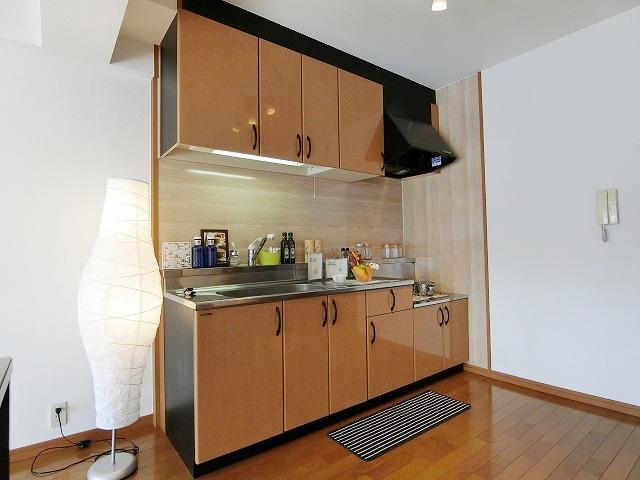 メゾン・ド・ソレイユ / 202号室キッチン