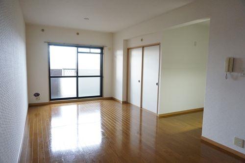 ファミーユ博多の森 / 405号室リビング