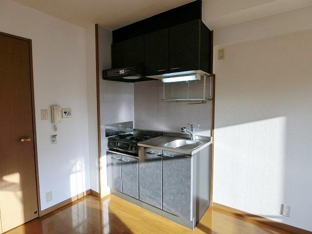 メルベーユ博多 / 303号室キッチン