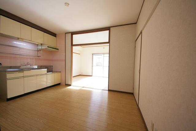 エクセレント古田 / 205号室キッチン