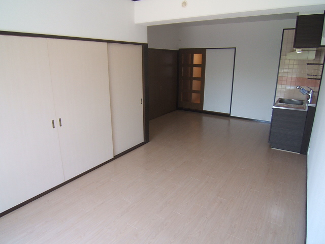 コープセンタービレッジ / 305号室