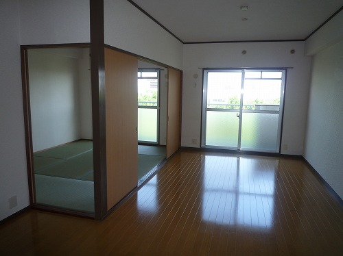 コープセンタービレッジ / 401号室リビング