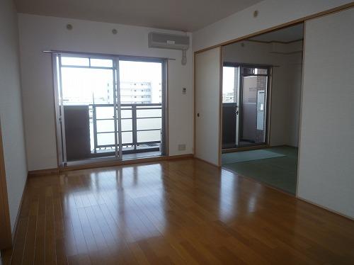 マノワール箱崎 / 305号室リビング