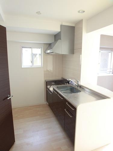 プリマベーラ. / 402号室キッチン
