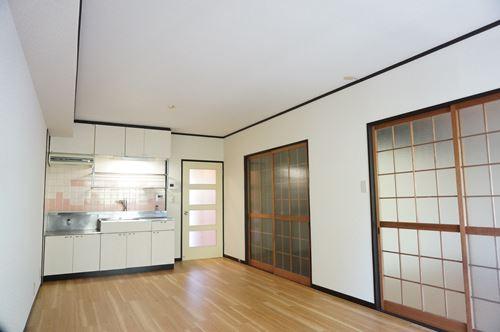 レジデンス秋根 / 302号室リビング