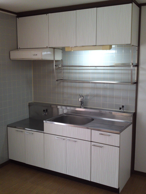 サンハイツKUDO / 102号室キッチン