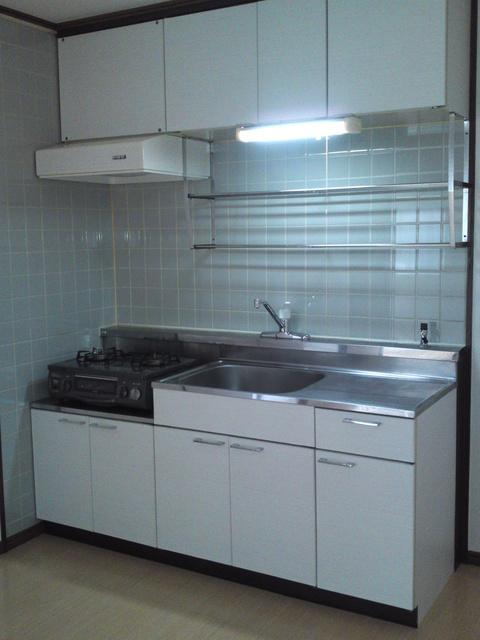 サンハイツKUDO / 105号室キッチン
