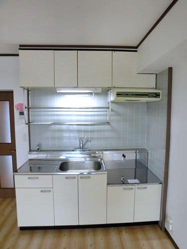 エクセルいまはせ / 202号室キッチン