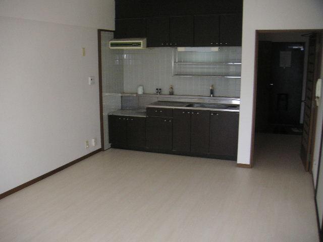 タウンコート志免 / 605号室キッチン