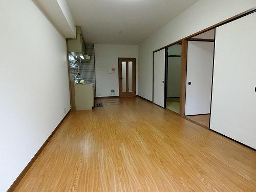 コムフォート・シティ / 102号室リビング