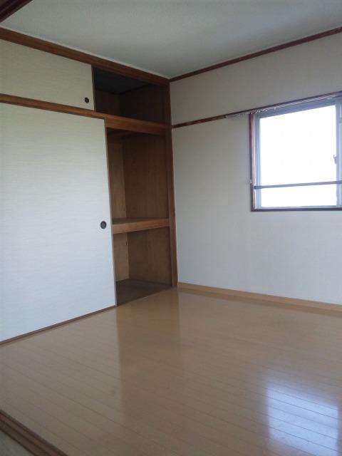 工藤ビル / 305号室洋室