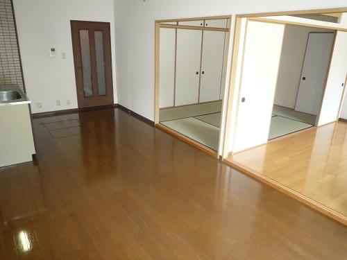 セントレージ博多 / 102号室リビング