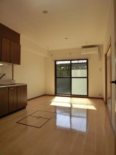 リヴェール伊賀 / 101号室キッチン