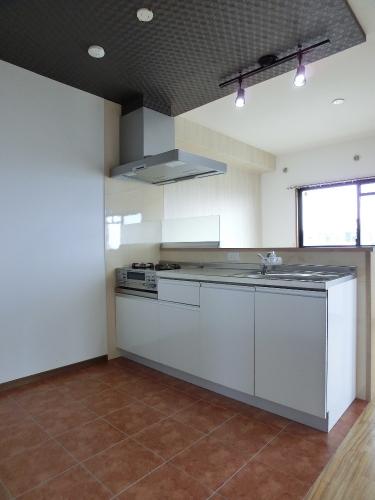 リヴェール伊賀 / 401号室キッチン