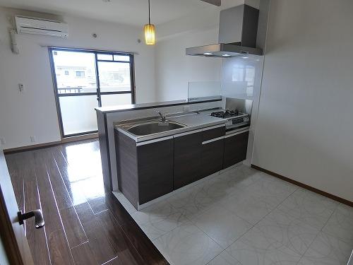 リヴェール伊賀 / 402号室キッチン