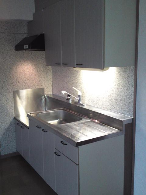メロディハイツ戸原 / A-203号室キッチン