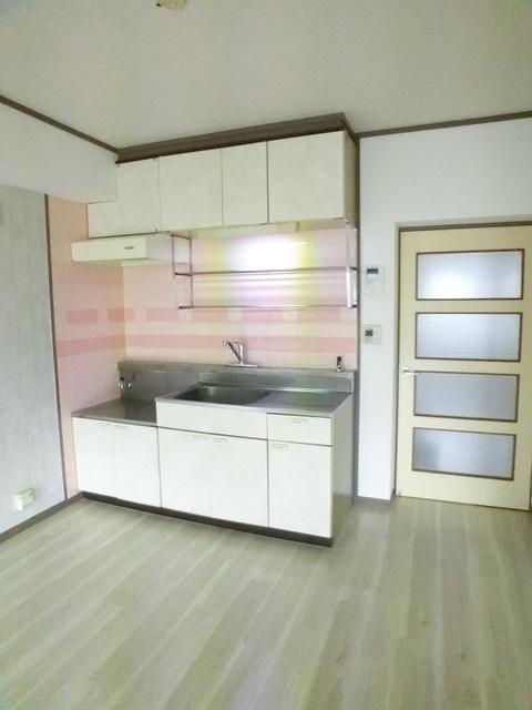エステート篠栗 / 102号室キッチン