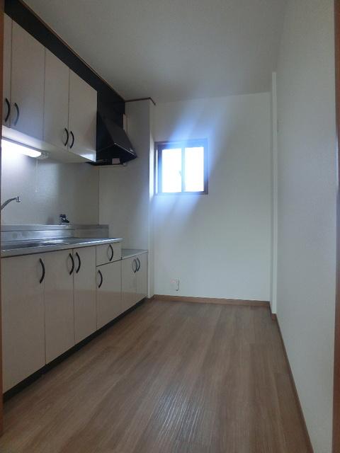 ネオパレス長者原 / 301号室キッチン