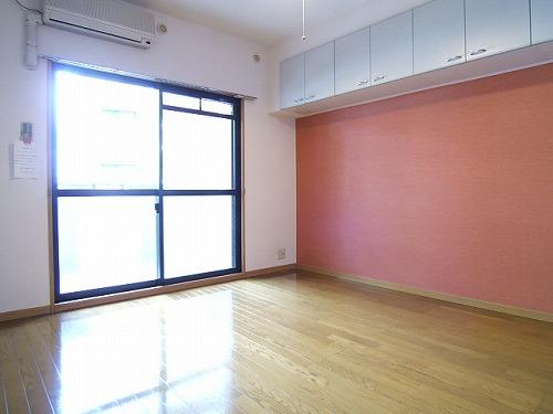 プレデュパルク壱番館 / 206号室リビング