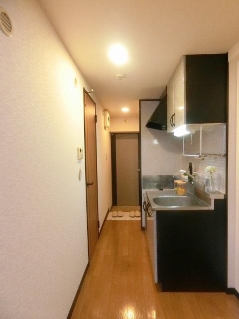 スクレーパー東 / 603号室キッチン