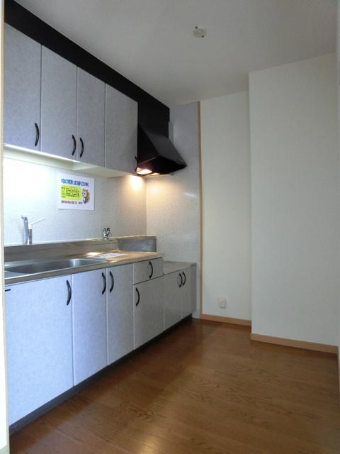 ファミーユ博多の森 / 302号室キッチン