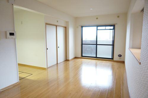 ファミーユ博多の森 / 305号室リビング