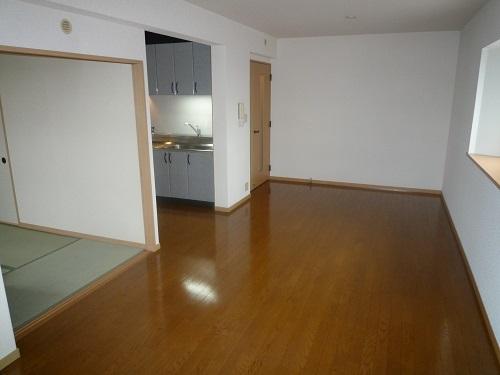 ファミーユ博多の森 / 401号室リビング