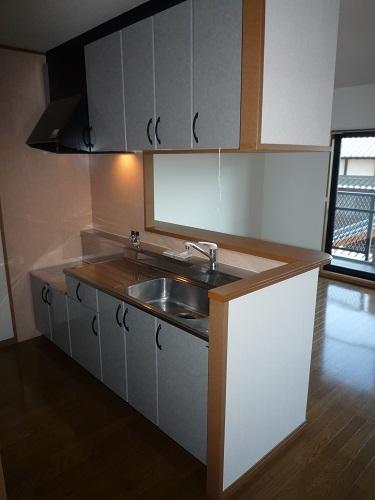 シャルム空港南 / 402号室キッチン
