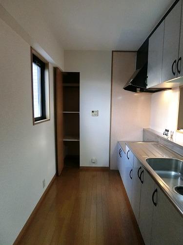 シャルム空港南 / 501号室リビング