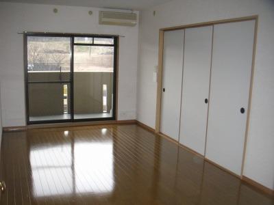 ルミエール21 / 502号室リビング