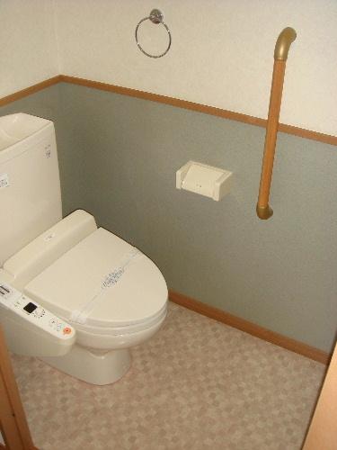 ネオパレス長者原Ⅱ / 101号室トイレ